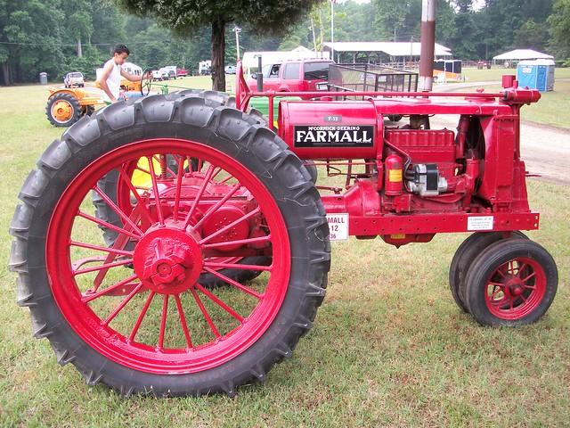 Farmall F 12 : Flickr photo sharing
