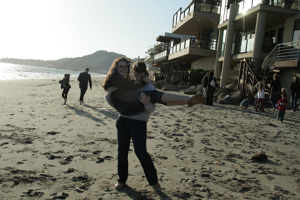 Family >> See, I can carry her! Sofia and Cassidy. Malibu family gat… | Flickr