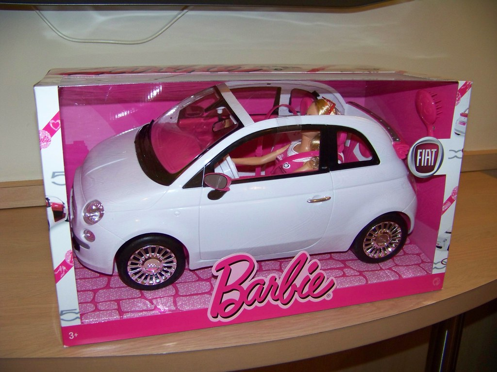 barbie fiat 500 from france barbie in a fiat 500 hell. Black Bedroom Furniture Sets. Home Design Ideas