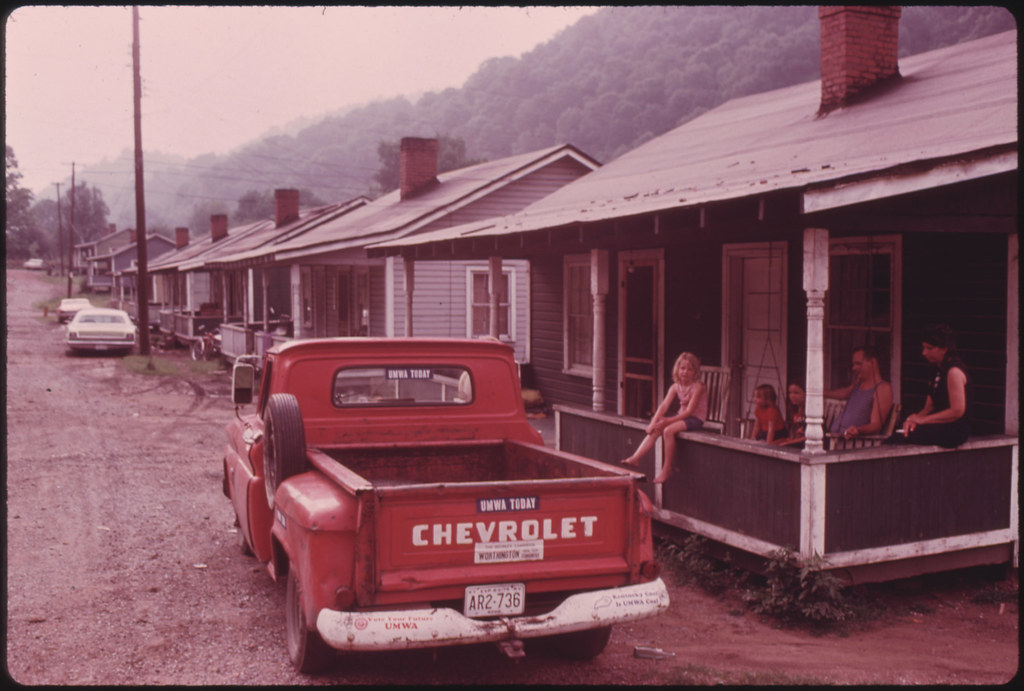 Middlesboro (KY) United States  City new picture : ... Brookside Kentucky, near Middlesboro 06/1974   Flickr Photo Sharing