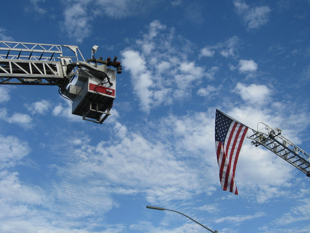 Annual Tunnel to Towers run honors firefighter killed on 9
