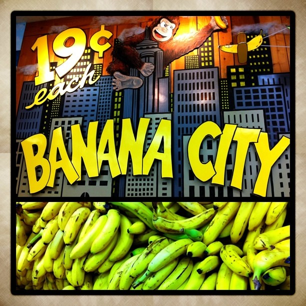 Going Ape In Banana City C 2011 Louis Trapani Arttrap Com Flickr