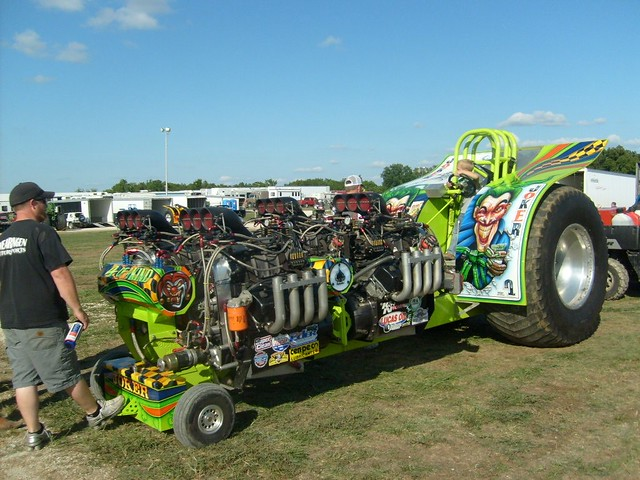 Four Engine Tractor : The joker engine horse modified pulling tractor