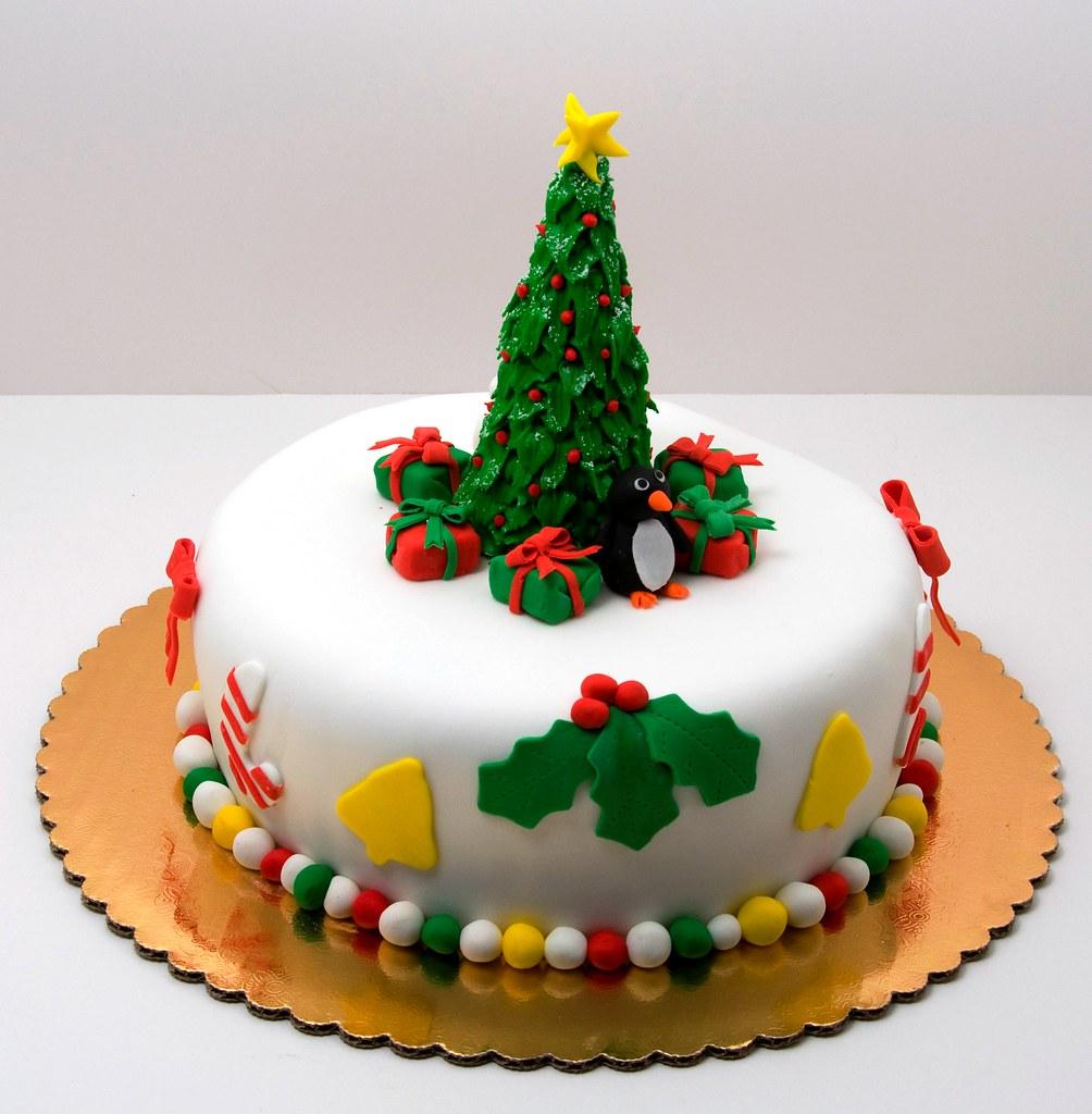 Cake Decoration Christmas : Christmas Cake A traditional boozy british christmas ...