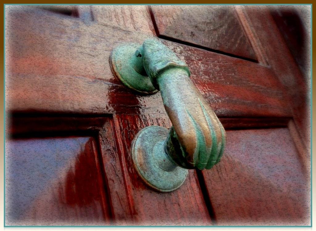 Le coeur est comme une porte frappez et il vous ouvrir for Ouvrir une porte claquee