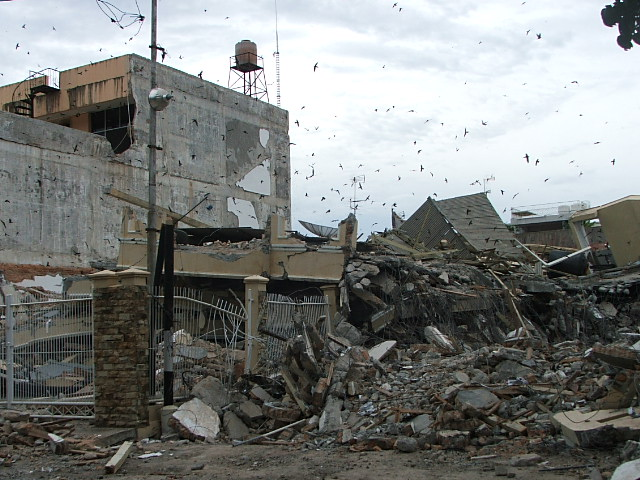Rumah sederhana tahan gempa