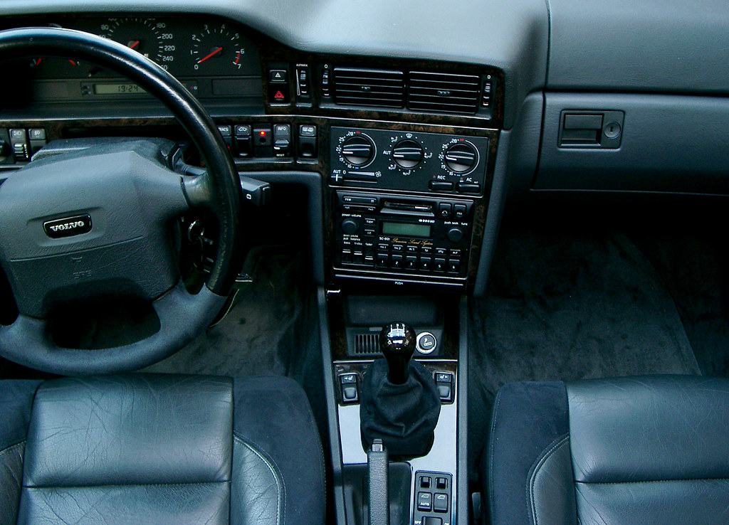 Volvo 850 T-5R interior | Taken through the sliding-roof | Flickr