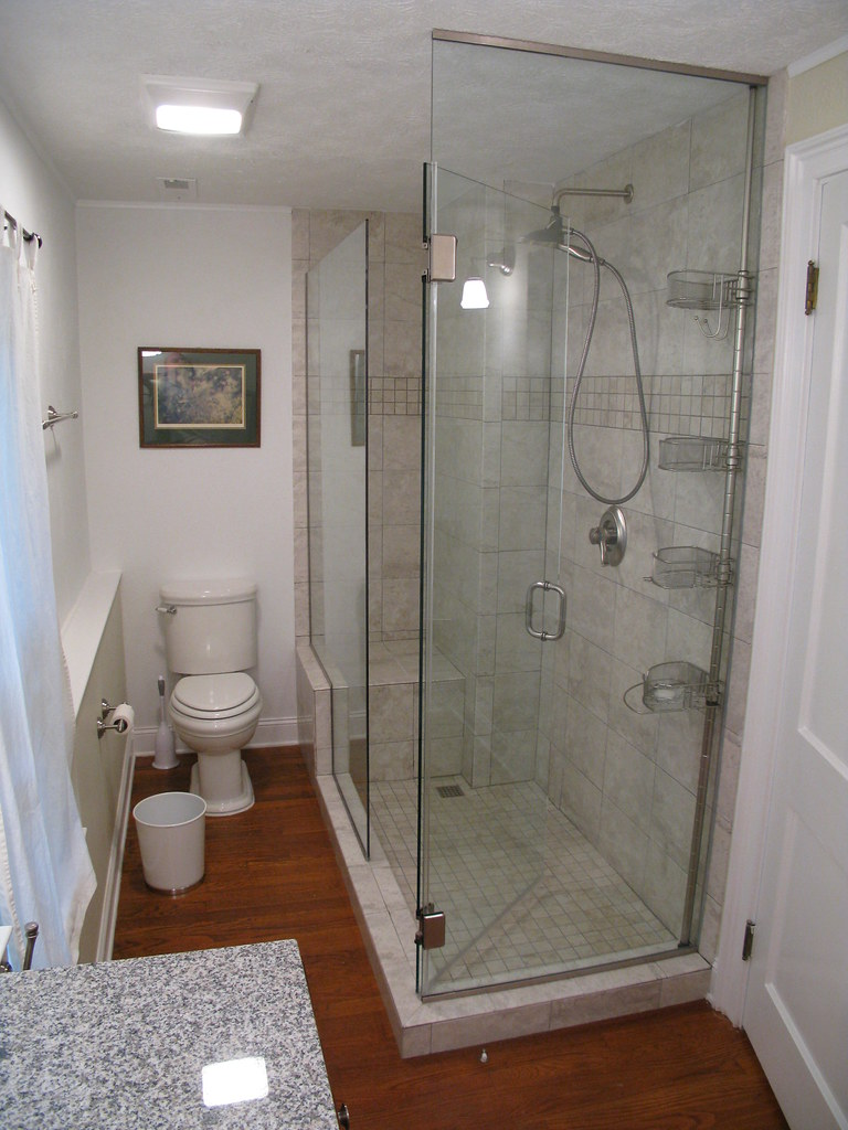 Bathroom remodel for Bathroom photos for small bathrooms