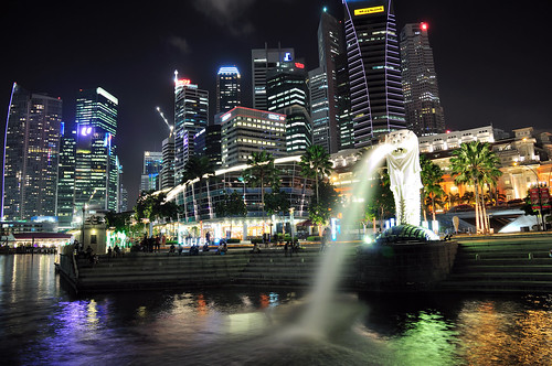 A night revisit of the Merlion Park - (Explored) | by badzmanaois