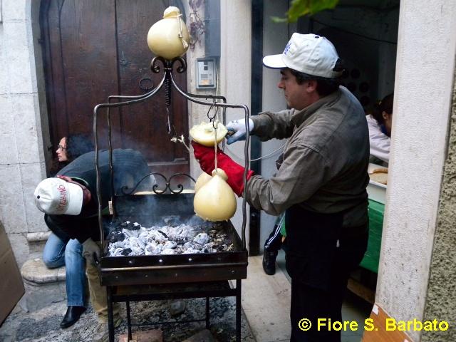 Fiori Bagnoli Irpino : Bagnoli irpino av 2009 sagra della castagna. wikipediau2026 flickr