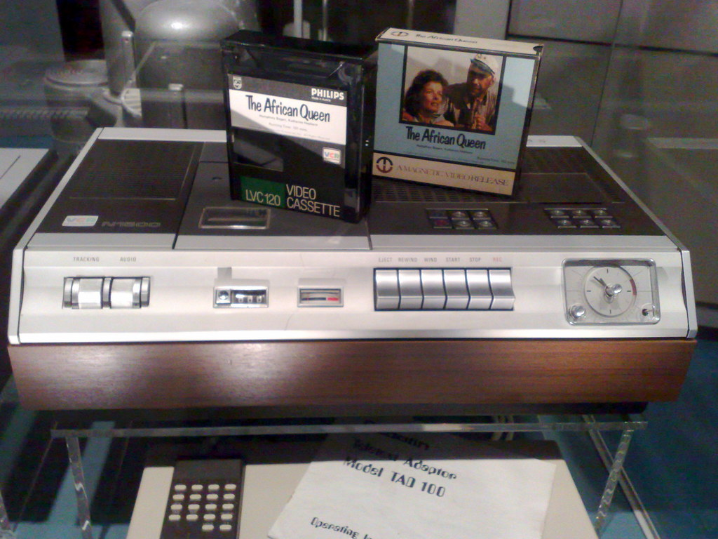philips n1500 vcr we had one of these at school in the. Black Bedroom Furniture Sets. Home Design Ideas