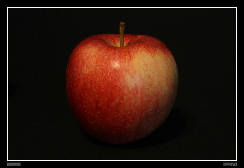 red apple roter apfel georg sander flickr. Black Bedroom Furniture Sets. Home Design Ideas