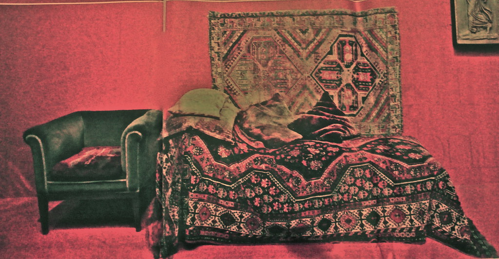 freud's couch in vienna | alev adil | Flickr