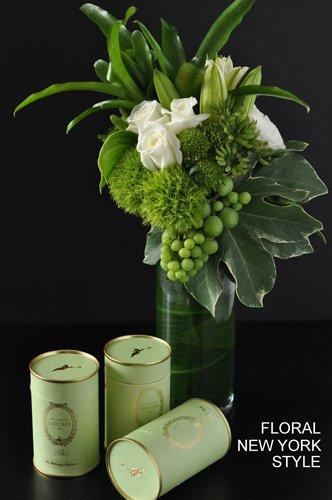 Fresh flower arrangement arranging and photo