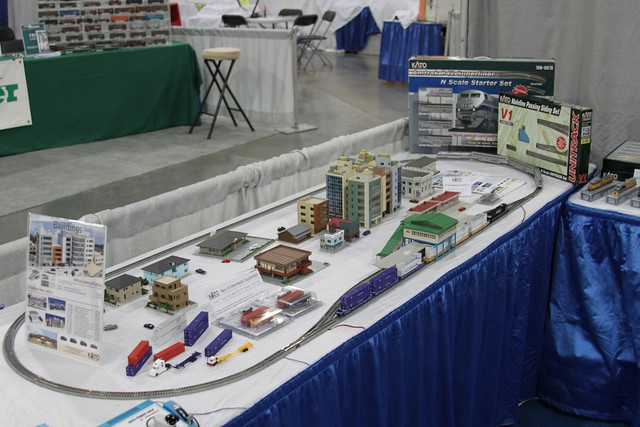 Kato n scale display layout trainfest 2009 milwaukee wi for N scale bedroom layout