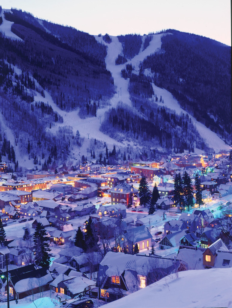 Night lights in the town of telluride and torchlight parad for Places to visit during christmas in usa