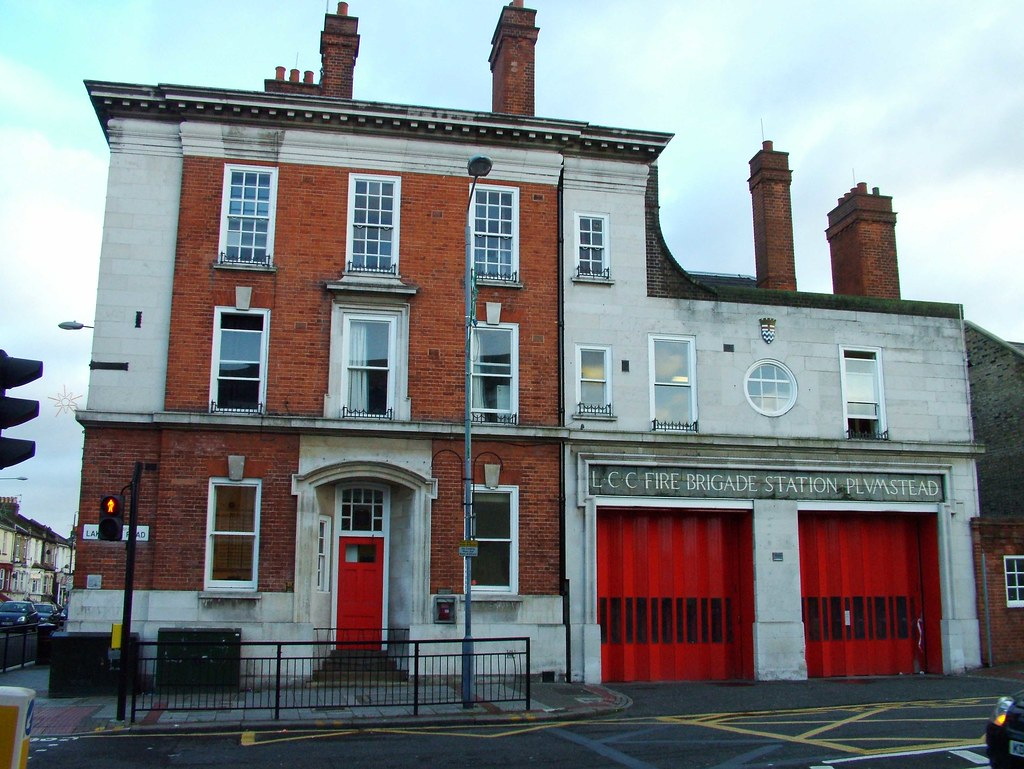 Plumstead Fire Station E25 On The Corner Of Lakedale