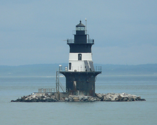 "Orient Point ""Coffee Pot"" Lighthouse 
