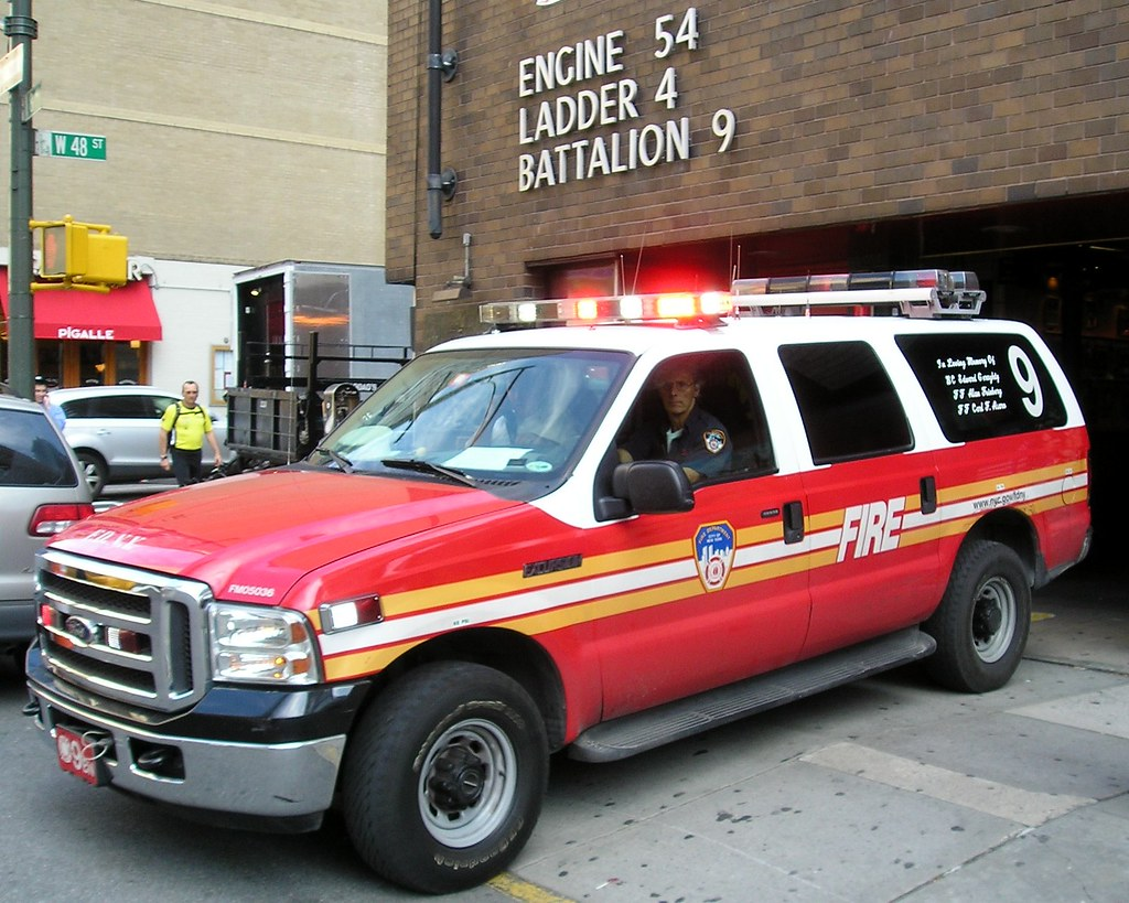 e054s fdny battalion 9 fire chief car theater district n flickr. Black Bedroom Furniture Sets. Home Design Ideas