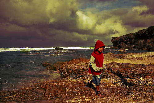 The tossing sea and the little red riding hood. | by ☂ f e я i N a (needs to hibernate)