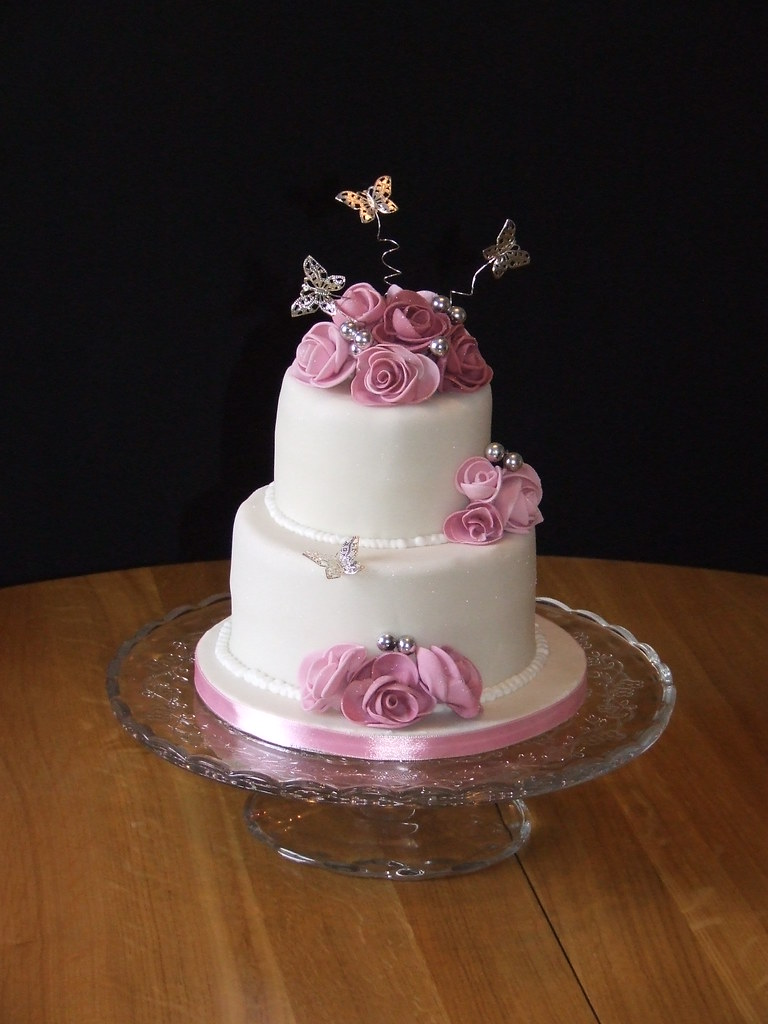 Rose Wedding Cake This Was A Small Two Tier Wedding Cake T Flickr