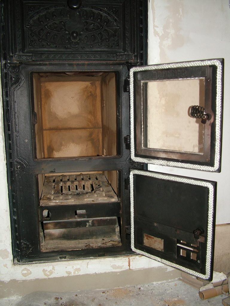 brunner kachelofen heizeinsatz heizeinsatz von kachelofen flickr. Black Bedroom Furniture Sets. Home Design Ideas