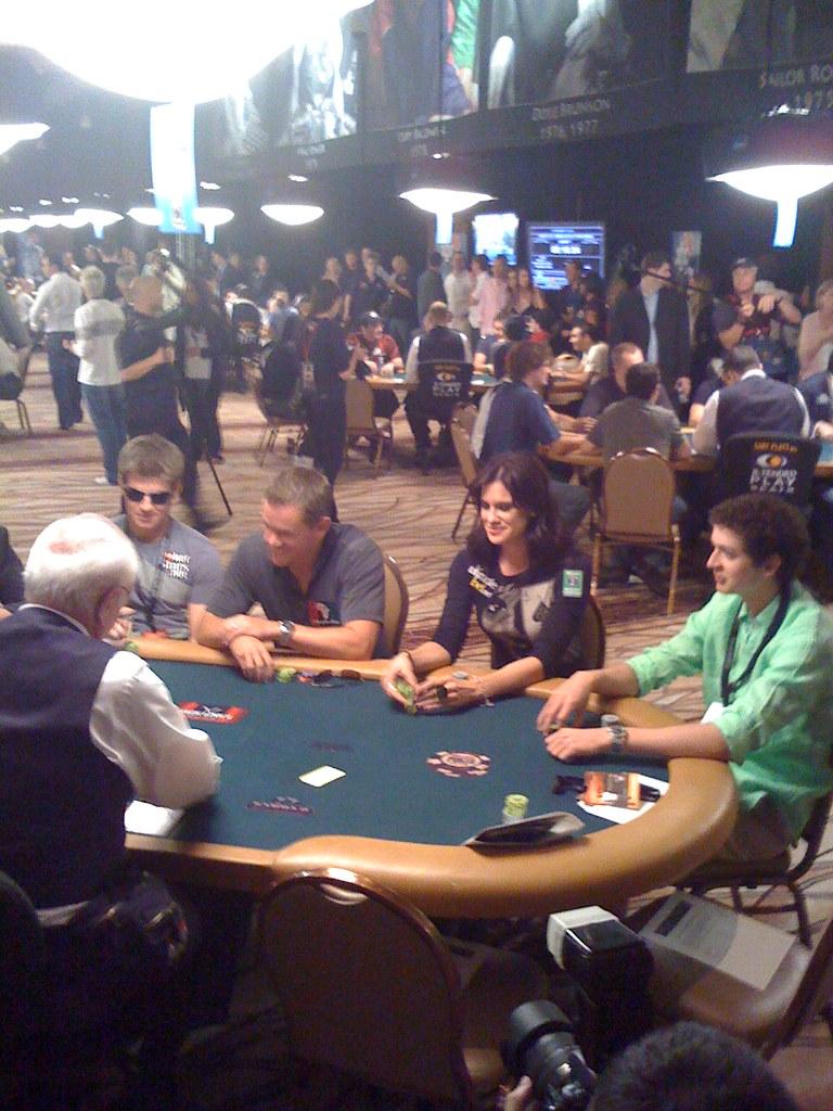 Matt Damon - World Series of Poker celebrity poker tournam ...