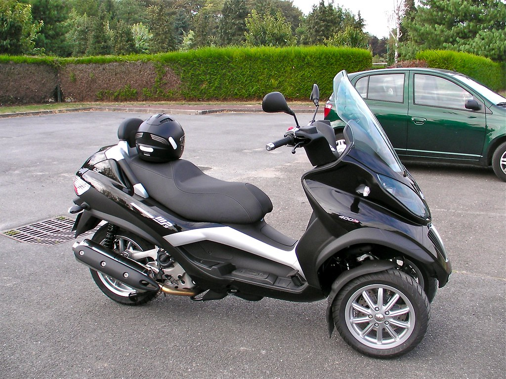 piaggio mp3 400 lt mon nouveau scooter piaggio mp3 400 lt luc photos flickr. Black Bedroom Furniture Sets. Home Design Ideas