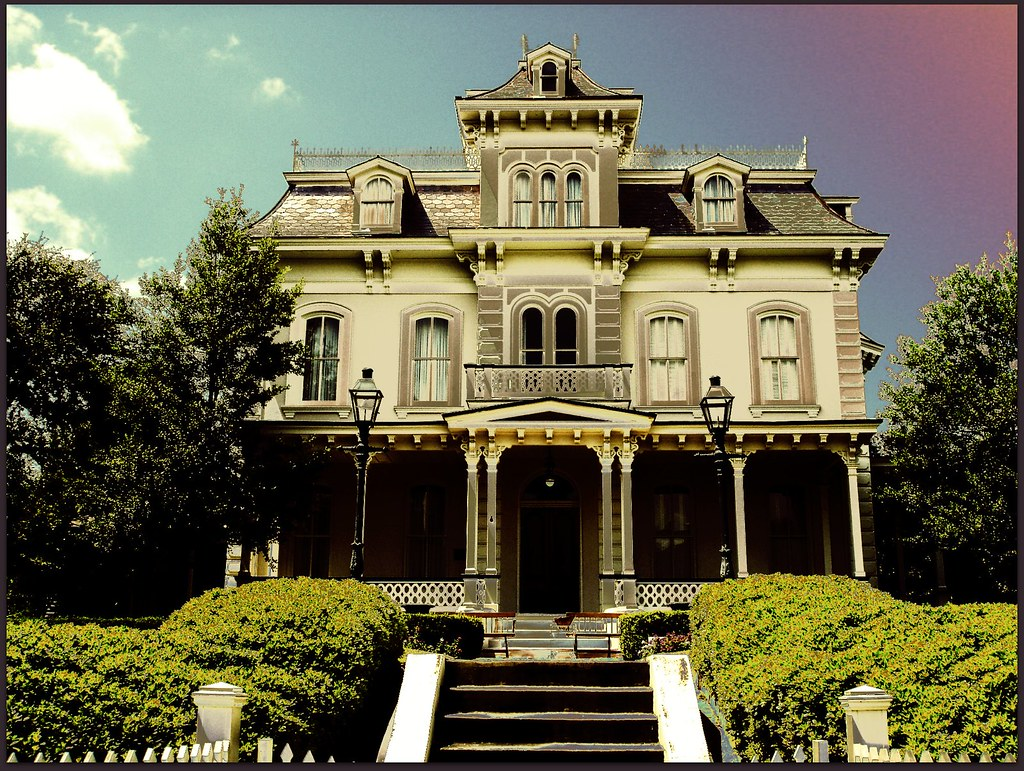 Glen Auburn, Second Empire in Natchez, MIssissippi. Credit Tom Barnes.