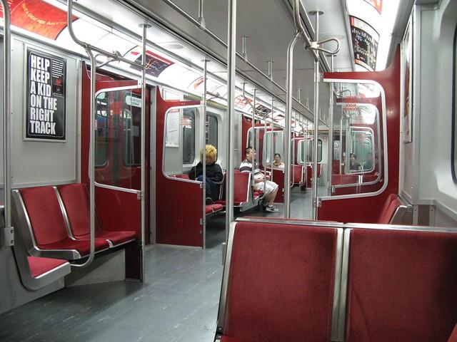 ttc t1 subway car interior img 10400 nayuki flickr. Black Bedroom Furniture Sets. Home Design Ideas