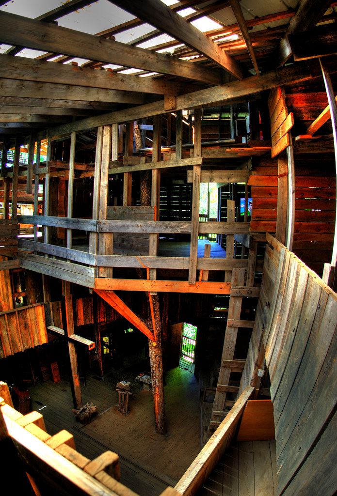 the inside of the ministers tree house crossville tn by chuck sutherland