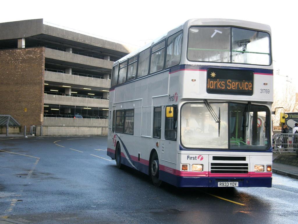 Bradford Bus Station R933yov Volvo Olympian With