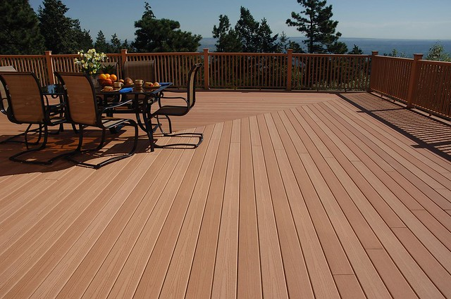 color quality in composite deck material