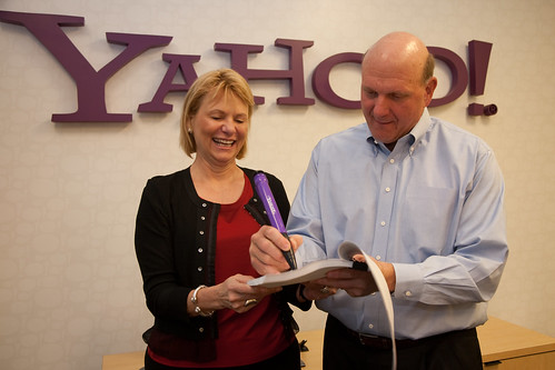 Steve Ballmer signs the Microsoft-Yahoo! agreement | by Yahoo Inc