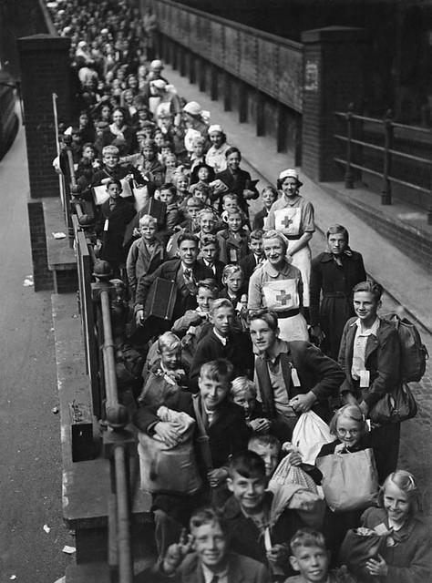 British Red Cross Evacuates Children At Paddington Flickr