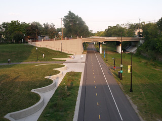 Midtown Greenway - Chicago Avenue ramp | by Steven Vance