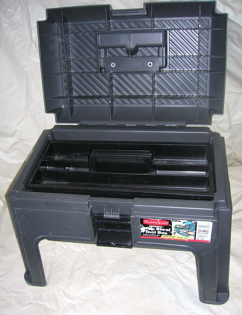 028 rubbermaid tool box/stepstool $10 | dansdadbob | Flickr