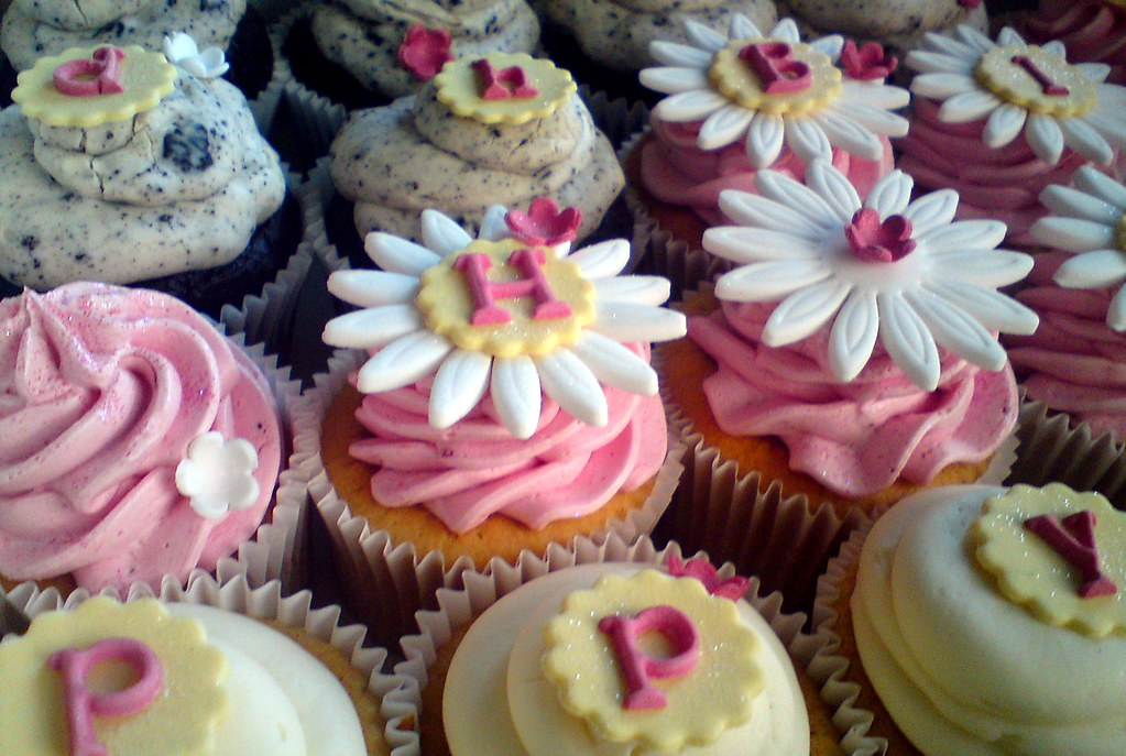 Cupcake Ideas For Birthday Girl : Happy Birthday cupcakes for girls 1st birthday This was ...