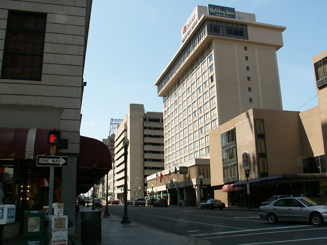 Memphis tn downtown hotels peabody holiday inn expre for New hotels in memphis tn