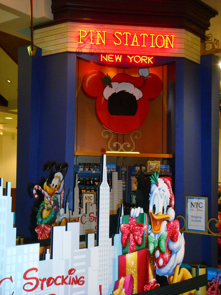 Christmastime at WOD NYC | World of Disney NYC | partyhare | Flickr