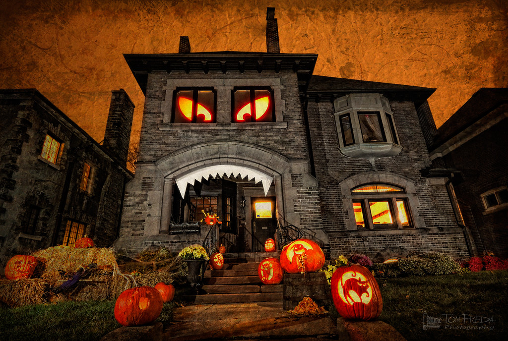 Monster house home decorated for halloween toronto tech flickr - Halloween decorations toronto ...