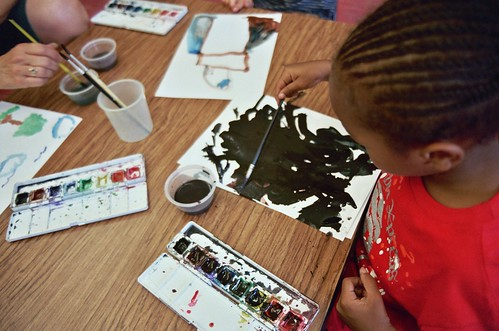 preschool photoshoot: a LOT of black paint! | by cafemama