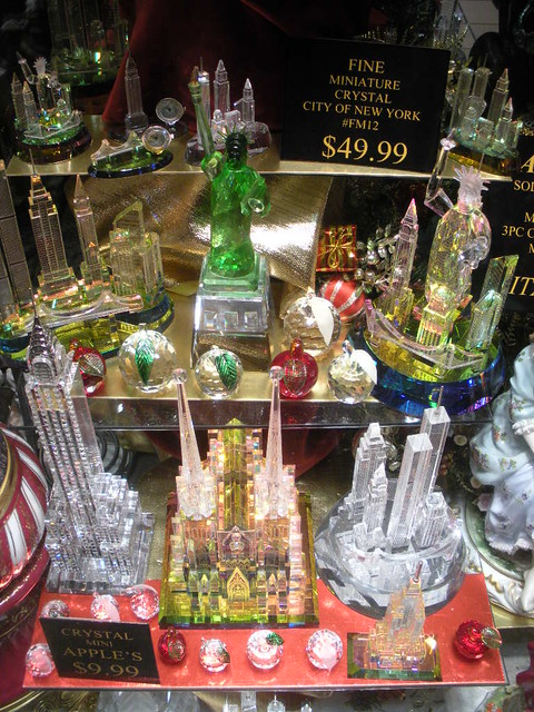 Midtown NYC Times Square New York City Tacky Gift Shop Win… | Flickr