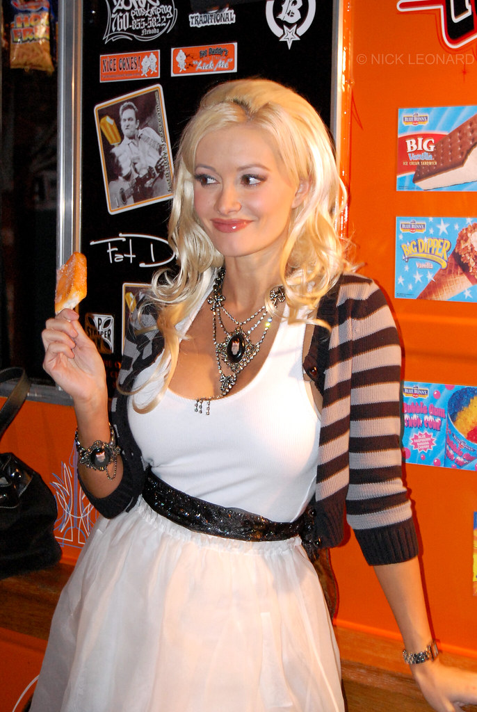 Holly Madison | November 6, 2009 First Friday Peepshow ...