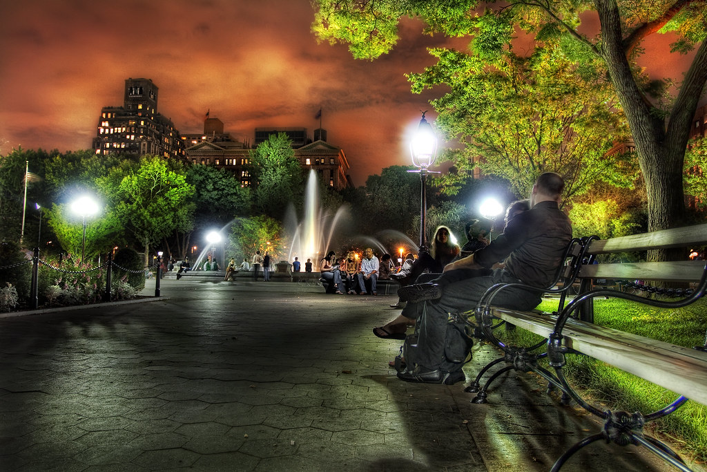 D And D Ford >> Washington Square Park at Night, Greenwich Village, NYC | Flickr