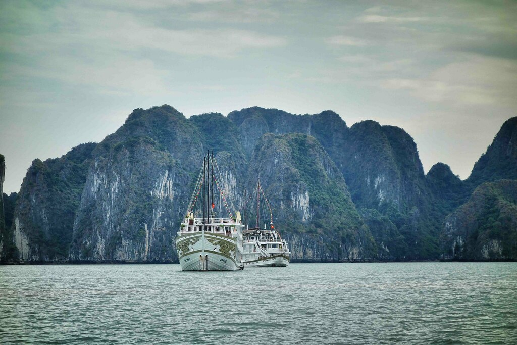 Halong Bay - Bateau Indochina Sail 3