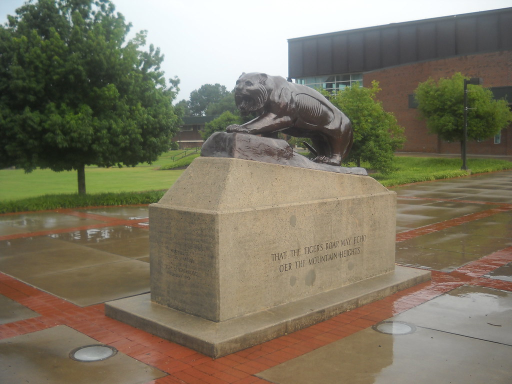 Clemson Tiger | This statue is of a tiger which sits outside… | Flickr
