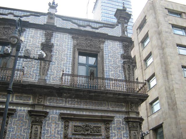 Casa de los azulejos desde la calle de 5 de mayo for Casa de azulejos
