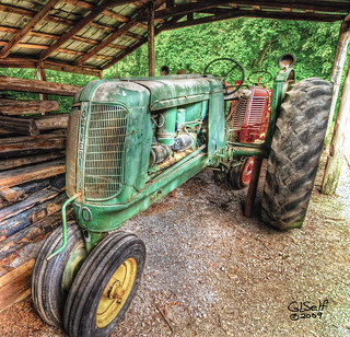 Cannonsburgh Village - Oliver Tractor | by A Selfmade View