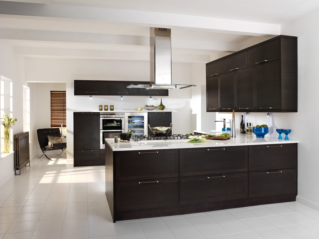 Traditional White Kitchens Magnet Kitchens Cubista Wenge Create A Luxury